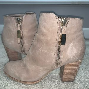 Aldo taupe leather ankle booties 8.5